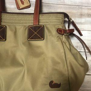 Dooney & Bourke Bags - 🍃🍂 Dooney & Bourke Army Olive Green Nylon Bag